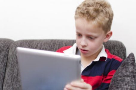 Social media users face age check under new rules to protect children